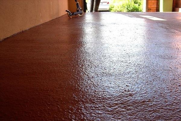 коричневый пол