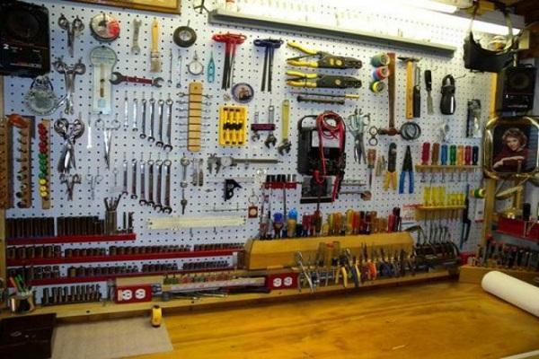 щит с инструментами