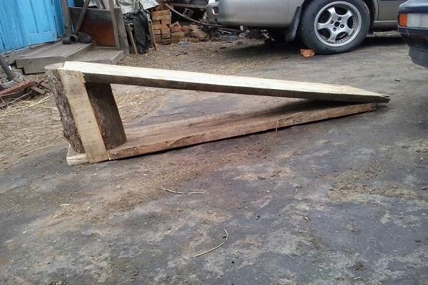 деревянный треугольник