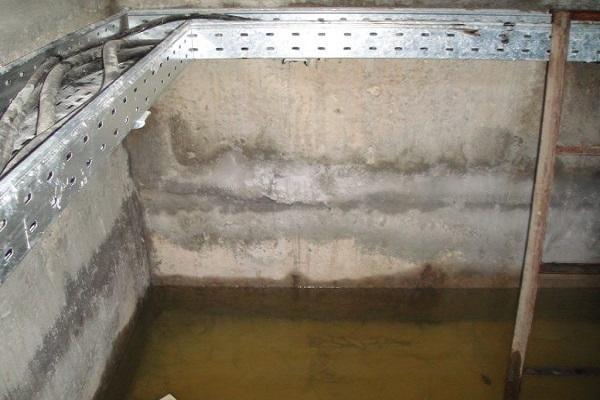 затопленный гараж