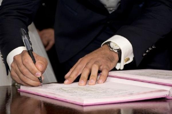 делать подписи
