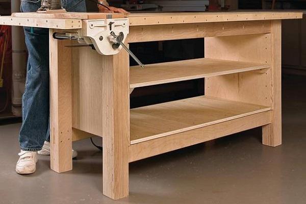 деревянный стол