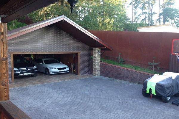выезд из гаража
